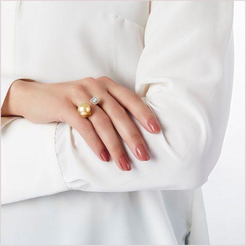 Yoko London Starlight Diamond and Golden South Sea Pearl Ring